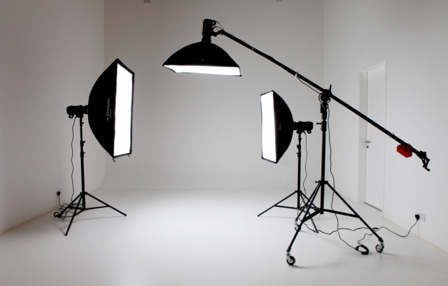 Here you can see the different types of lighting used in studios! & STUDIO LIGHTING - CHEESTAR PHOTOGRAPHY azcodes.com